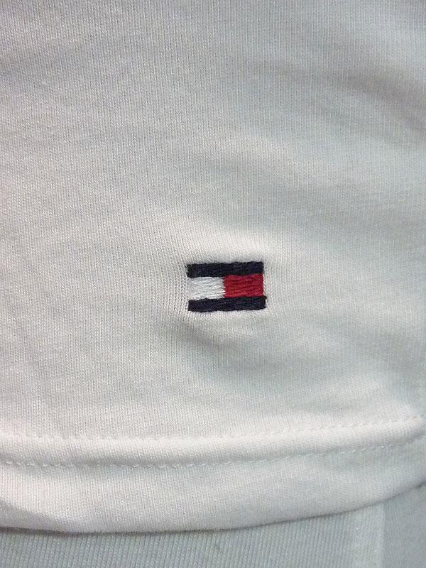 c33d087cee9959 Camiseta Básica Tommy Hilfiger en cuello pico de hombre - Varela Intimo