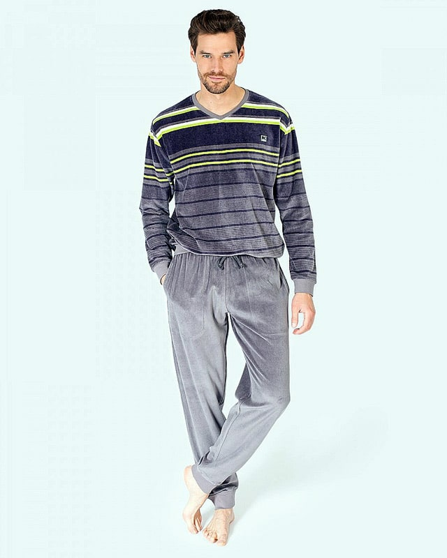 488c43284 Pijama con puños listado Hombre en terciopelo de Massana - Varela Intimo