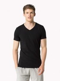 Camiseta Tommy Hilfiger Premium Essential, negra cuello pico