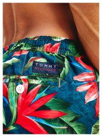 Bañador Tommy Hilfiger con flores tropicales